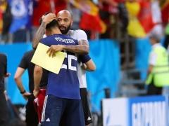 【 GIF 】日本代表に向けて拍手を送り続けていた元フランス代表アンリ、ベルギー代表のコーチだった