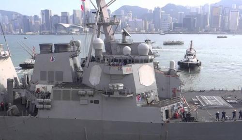 米イージス艦、横須賀沖で衝突し浸水航行不能に 乗組員7人不明