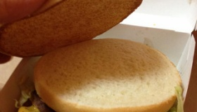 【食】    日本のマクドナルドで 60秒でハンバーガーを出すサービスのハンバーガー がひどすぎる件wwwwwww   海外の反応