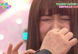 【乃木坂46】鼻水拭くカイザーすこwwwwww