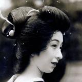 100年以上前の女の子がすでに現代と同じ変顔をしてる件www