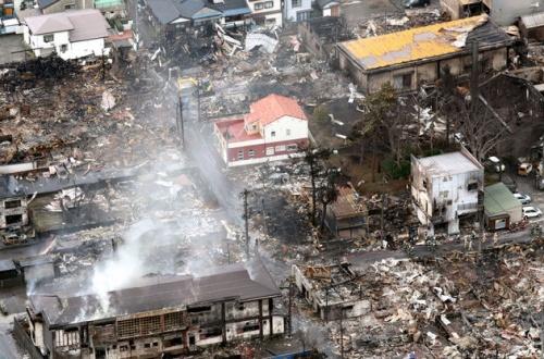 【画像】糸魚川大火事で生き残った「奇跡の家wwwwwwwwwwwwwwwwwwwwwwwwのサムネイル画像
