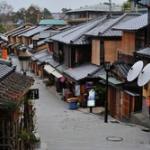 訪日外国人客急増で大阪・京都の客室不足深刻 予約困難、料金も上昇傾向