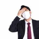 飯屋入って席ついてオーダー済まして水飲もうと思ってマスクとったら店員に「マスクお願いしますね。」って言われた😷