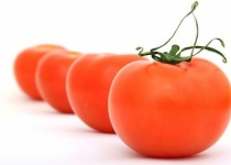 トマト丸かじりしたけど、油と一緒に加熱しないとあまり栄養摂取できんらしい