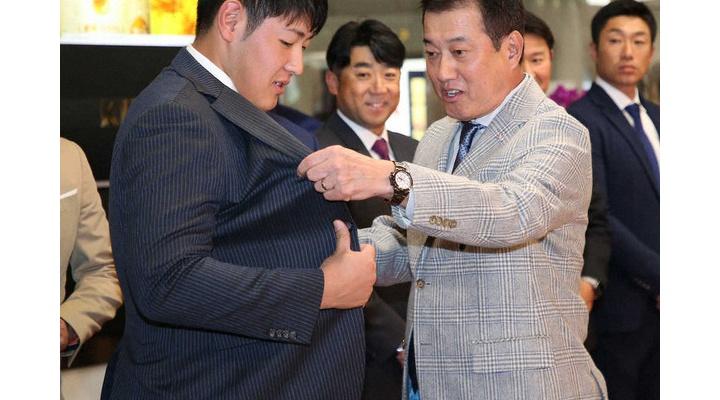 巨人・岡本和真「2週間後にはスーツが破れるくらい体を鍛えます」