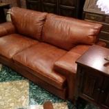 『Pull-upレザーのヴィンテージ仕上げのソファ』の画像