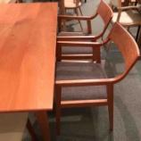 『【お客様からお問い合わせを頂きました】ブラックチェリーのテーブルに合わせるチェアはありますか?』の画像
