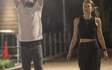 『【テンション高め…!?】カイア・ガーバーの兄プレスリーがモデルの新恋人とお出かけ!Presley Gerber and Sydney Brooke step out in Malibu』の画像