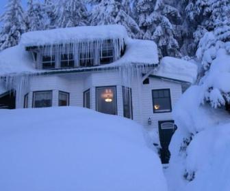 【米アラスカ州】氷点下35度…自宅が停電 5歳児が1歳半の乳児連れ徒歩で800メートル先の隣家に避難 凍傷に