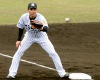 阪神荒木内野手(31)プロ入り9年通算170試合.189(132-25)0本2打点OPS.484←戦力外回避