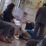 【動画】 「僕のスマホ返せぇ!」 電車のトイレにスマホを落としてしまって発狂する男性が話題に