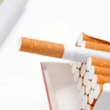 『【悲報】NYダウが372ドルも上昇したのに、MOとPMのタバコ兄弟は安定の株価下落wwwwww』の画像