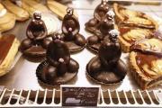 【フランス】裸の男女のカップケーキに撤去命令、「人種差別的」