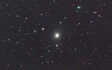『ブラックホールの銀河おとめ座A(M87)』の画像