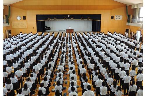 【あるある】全校集会の思い出ってさwwwwwwwwwwwwwwのサムネイル画像