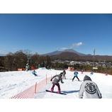 『軽井沢初滑りスキーキャンプ1期。青空の下、初滑りをしました。』の画像