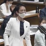 蓮舫議員、自分は週刊誌情報で質問するくせに、相手が電通情報で答弁すると難癖!