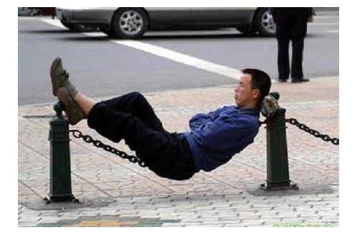 彡()()「アカン、高速バス運転中やけど、体調悪い…仮眠しよ」のサムネイル画像