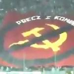 【動画】ポーランド、サッカーの試合で「共産主義は出て行け」の巨大な旗が登場!