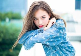 """【モデル】""""奇跡の13歳"""" 日独ハーフのサクラ・キルシュが話題「ひときわ目立って美しい」"""