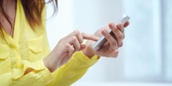 【叱りとばした】最近、携帯を離さない旦那。「もしや?」と携帯チェックしたら真っ黒…