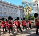 「女王をさすつもりだった」バッキンガム宮殿に刃物持って侵入図る、中国人留学生の男を逮捕