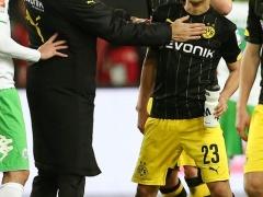 ドルトムント・トゥヘル監督が試合終了直前の退席処分について自らコメント!「うっぷんがたまっていて看板を蹴とばしてしまった」ww
