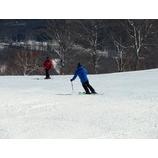 『行き詰まった滑りからの脱却を目指す「新感覚スキー教室」』の画像