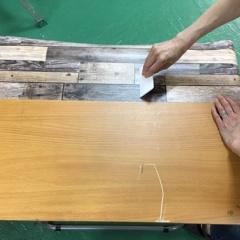 壁紙シール プレミアムウォールデコシート®で古いテーブルリメイク