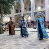 『ウズベキスタン旅行記33 伝統的な衣装が続々登場!ナディール・ディヴァンベギ・メドレセでのブハラ民族舞踊ショー』の画像
