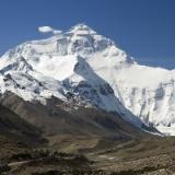 エベレストってマジでその辺に死体転がってんの?