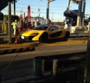 【悲報】千葉で1億円の車(マクラーレン P1)が高速の料金所で事故る