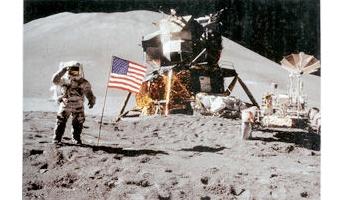なんか怪しい・・・。月面着陸地点、NASAが立ち入り禁止案 上空飛行も禁止
