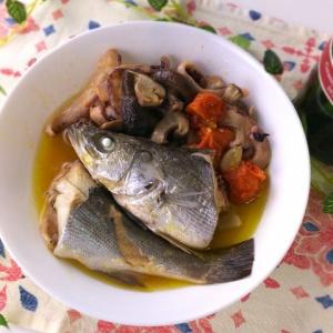 オイルで蒸し焼き!魚介のアクアパッツァヒージョ