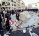 「ローマの休日」噴水無残...酔ったサポーターの暴走で破損
