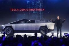 テスラのトラック型EV予約14万台達成! 米欧や日本で