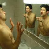 彡(^)(^)「せや! 鏡に向かって話かけたろ!」
