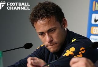 【サッカー】ネイマール、質問攻めに涙「カバーニとも監督とも問題は抱えていない」