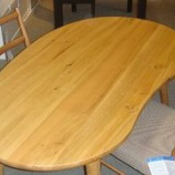 『節つき楢材のダイニングテーブル』の画像