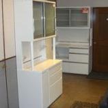 『バフ磨き仕上げの食器棚』の画像